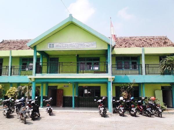 SMA Ma'arif Sarirejo Lamongan
