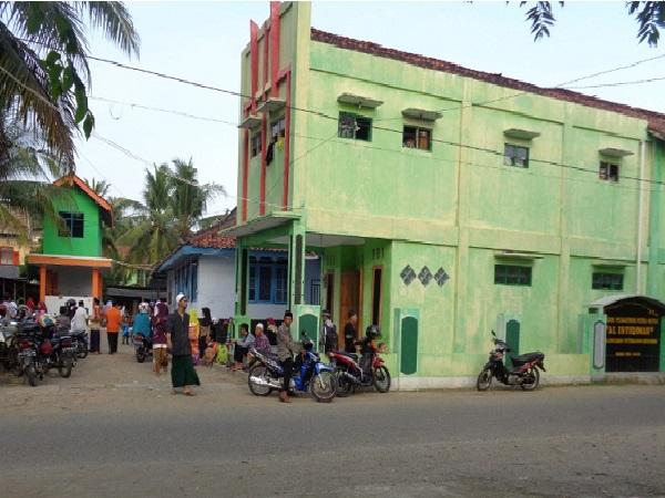 Pesantren Al-Istiqomah Petanahan Kebumen