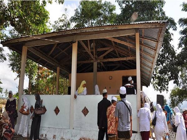 Menelusuri Jejak dan Bertawassul di Makam Habib Umar Bin Maulana Yusuf Al Maghribi Bedugul