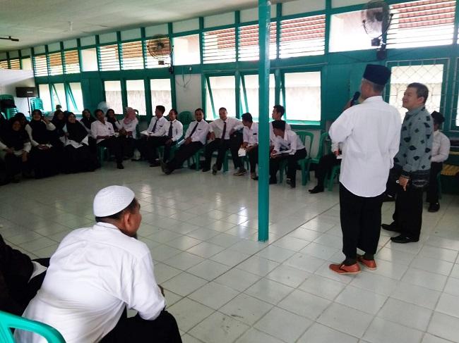 Yayasan Baitul Maal PLN Kalbar Serahkan Bantuan Modal Bagi Masyarakat Kurang Mampu