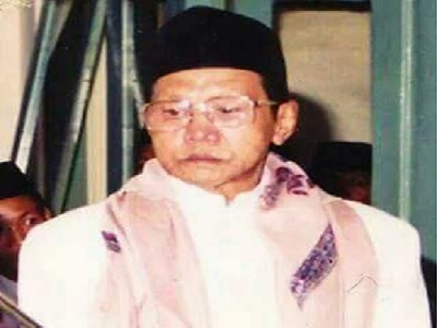 Biografi KH Chasan Tholabi