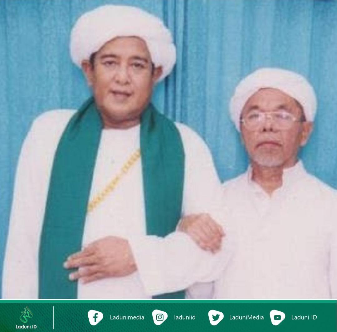 Biografi KH. Muhammad Syukri Unus