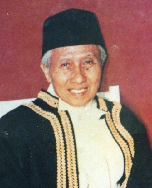 Riwayat Hidup Syekh Ahmad Shohibulwafa Tajul Arifin (Abah Anom)
