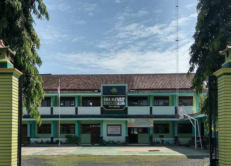 SMA Ma'arif NU 04 Kangkung Kendal