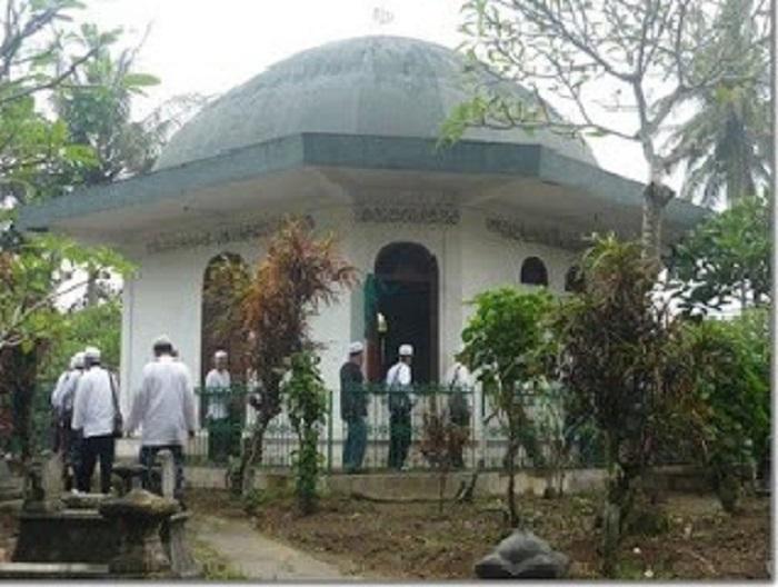 Wisata Ziarah Habib Ahmad Bafaqih di Kemusuh dan Kisah Karomahnya