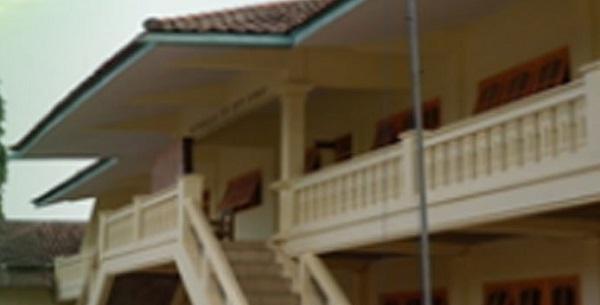 Sekolah Tinggi Ilmu Tarbiyah (STIT) Al-Karimiyyah Sumenep