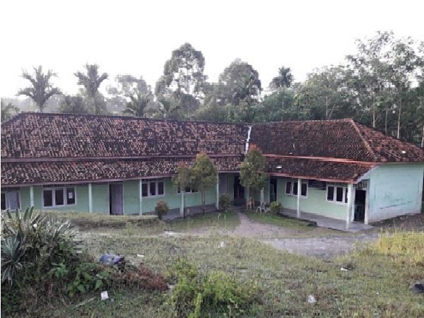 Pesantren Al-Falah Krui Lampung