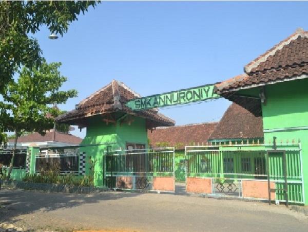 SMK Annuroniyah Sulang Rembang