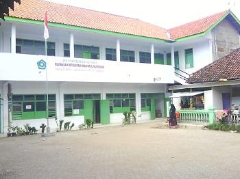 Pesantren Al Anwariyah Cirebon