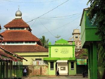 Pesantren Mambaul Huda Magelang