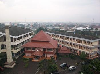Universitas Islam Nusantara (UNINUS) Bandung