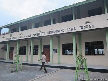 SMK Darul Falach Candiroto Temanggung