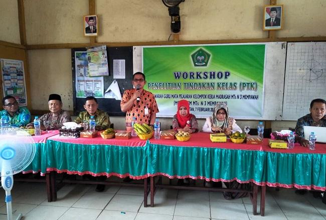 MGMP KKM MTs N 3 Mempawah Gelar Workshop Penelitian Tindakan Kelas