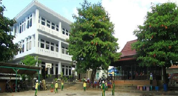 Pesantren Al Khairaat Kalumpang Ternate
