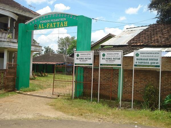 Pesantren Al-Fattah Tanggamus Lampung