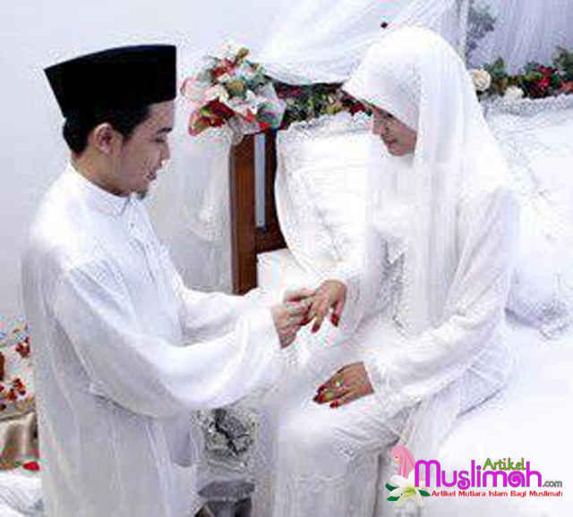 Seputaran Tentang Adab - Adab Bersenggama dengan Istri