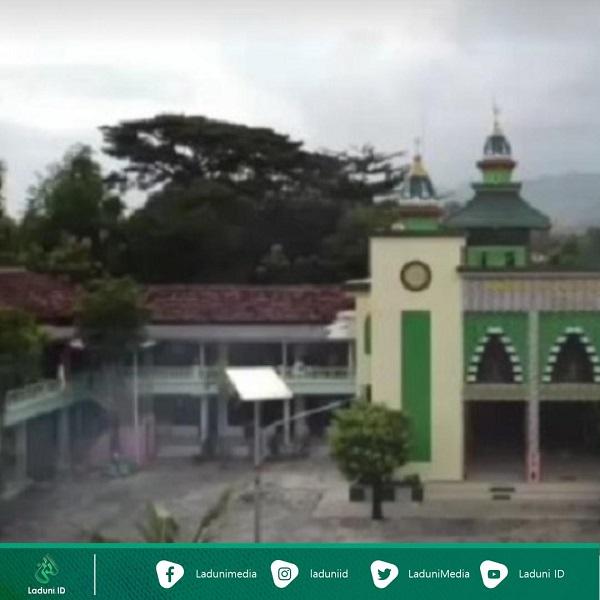 Pesantren Al-Bukhori Mangunan Ponorogo