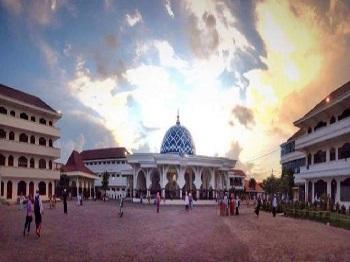 Pesantren Assalafi Al Fithrah Surabaya