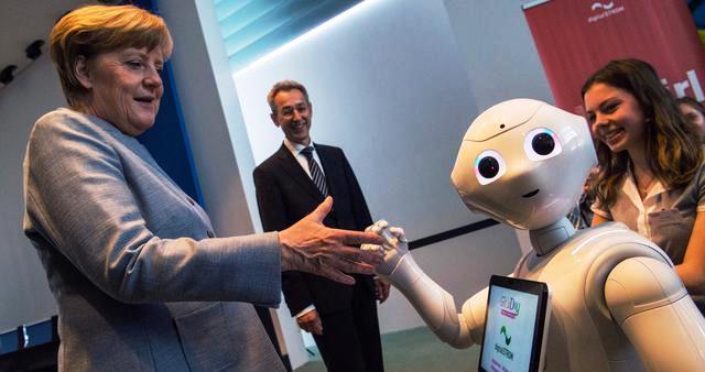WEF: Akibat Pandemi, 85 Juta Pekerjaan Akan Digantikan Robot