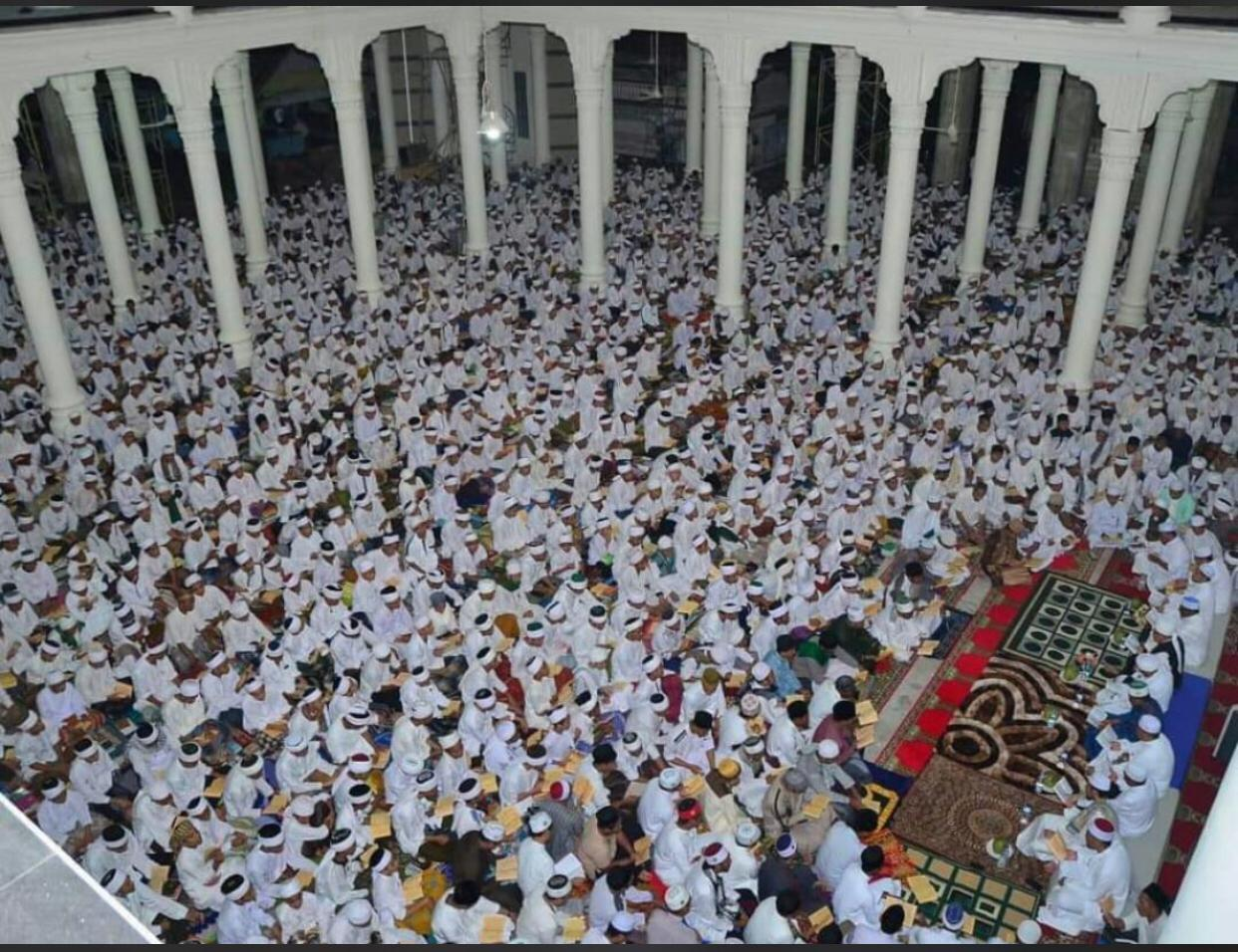 Haul Ayahanda Abu MUDI #1: Ribuan Jamaah Jubah Putih Hadir dalam Haul Ayahanda Abu MUDI