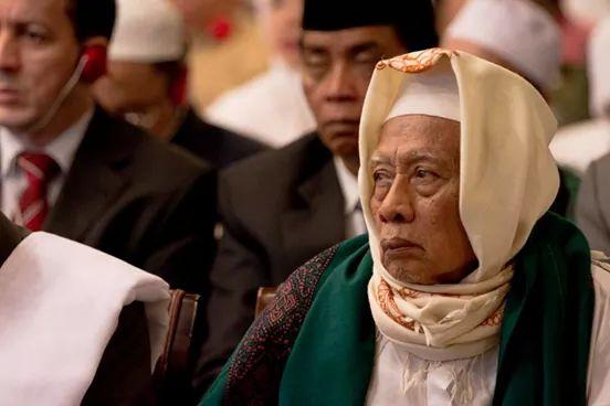 Mbah KH Mudhoffar Fathurrahman Kriyan Kalimanyatan Jepara