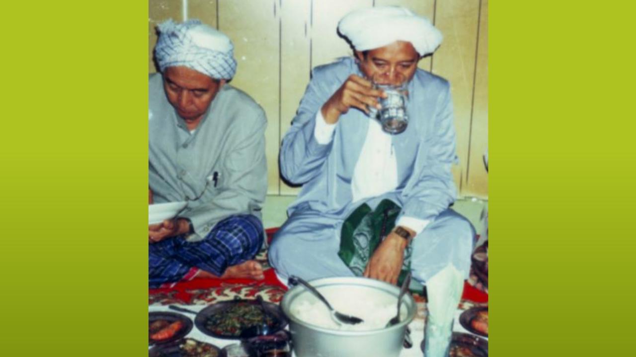 Kisah Nabi Khidir Meminta Segelas Air Minum di Rumah Abah Guru Sekumpul