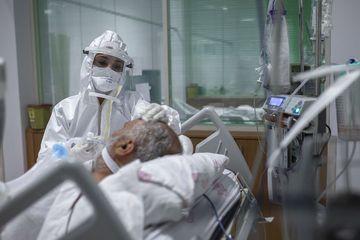 Pasien Covid di Vietnam Ini Berhasil Sembuh Setelah 2 Bulan Koma