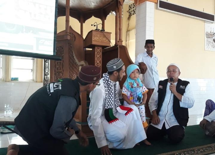 Bocah Aceh Jaya Sumbangkan Tabungannya ke Palestina