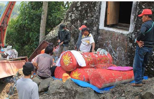 Mengintip Budaya Timur Indonesia