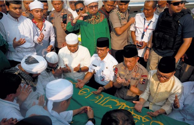 Pemakaman Ustaz Muhammad Arifin Ilham Dikawal 400 Personel Aparat Keamanan