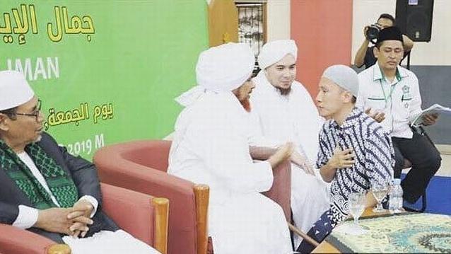 Semakin Dekat dengan Ulama Aswaja, Felix Berhenti Kampanyekan Khilafah