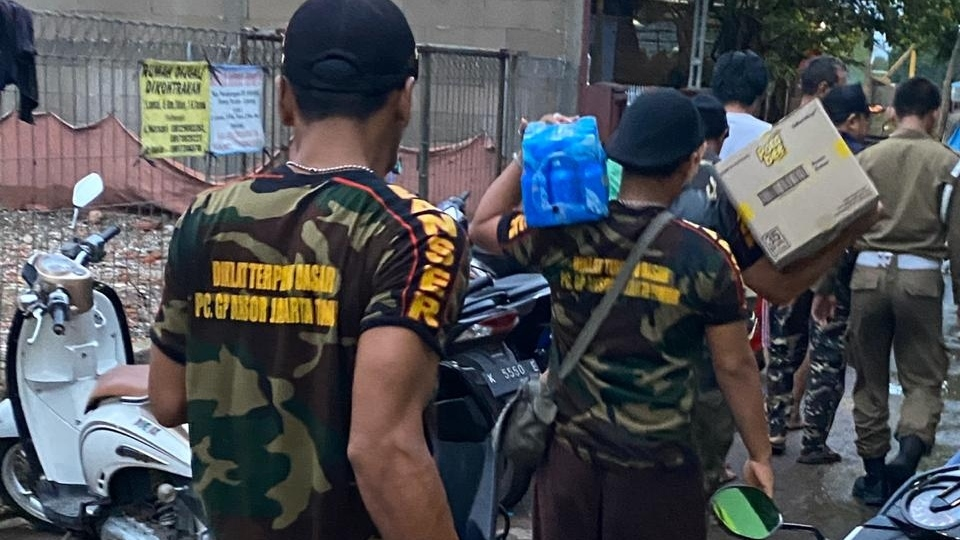 LPBI NU Jaktim Dirikan 3 Posko Bantuan NU Jaktim Peduli Banjir DKI Jakarta