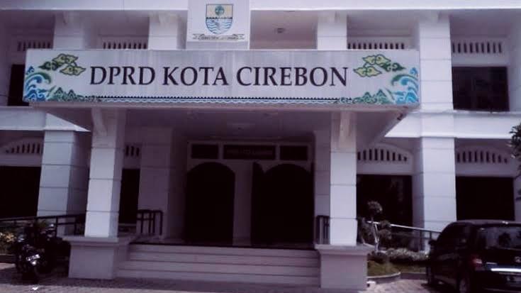 Tak Terima Statement Oknum Anggota Dewan, Ribuan Santri Akan Datangi DPRD Kabupaten Cirebon