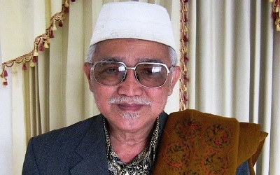 Biografi KH. Abdul Aziz Manshur