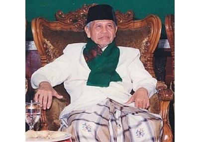 Biografi KH. Sya'roni Ahmadi Al Hafidz