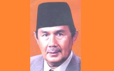 Biografi KH. Drs.Totoh Abdul Fatah Ghazali SH
