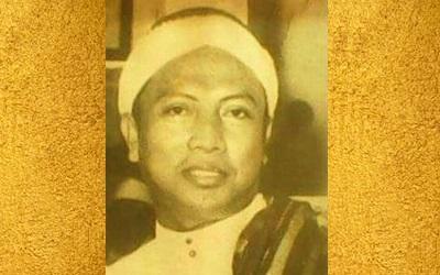 Biografi KH. Musthofa Lekok