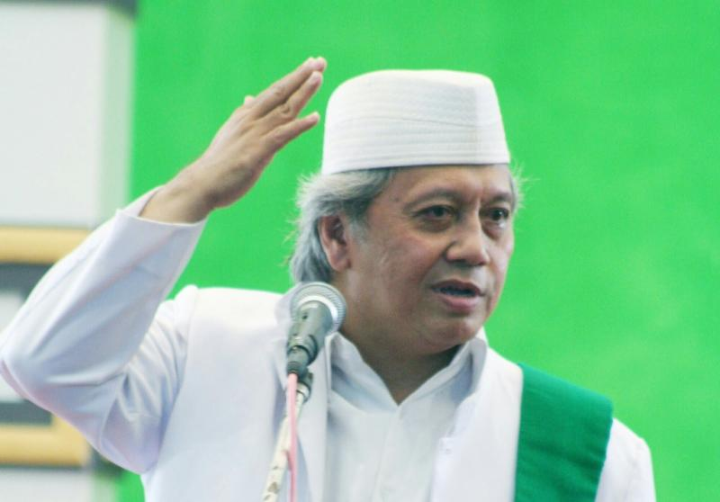 Biografi KH. Achmad Chalwani