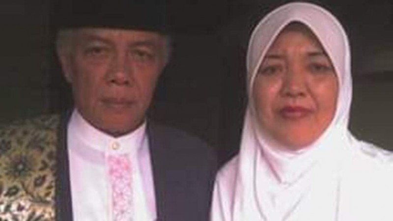 KH. Hasan Bisri Syafi'i Karawang