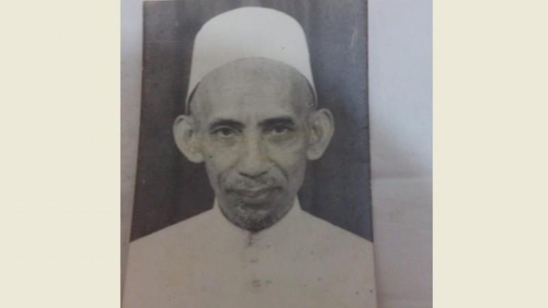 Biografi KH. Kholil Umar Kauman