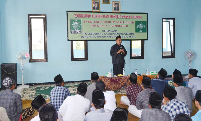 Jelang HSN 2018, Lesbumi dan RMI NU Mojokerto Gelar Pelatihan Menulis untuk Santri