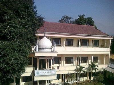 Safari Ziarah dan berdoa di Makam KH Abdul Mannan Syukur Malang