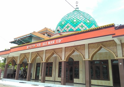 Wisata Rohani dan Berdo'a di Makam KH.Ali Mas'ud Sidoarjo