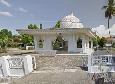 Wisata Ziarah dan Berdoa di Makam KH. Anang Jazuly Semman Banjarmasin