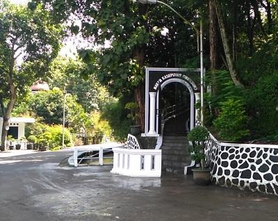 Wisatah dan Ziarah Makam KH Hasan Muhibat ( Ki Ageng Giri ) Demak