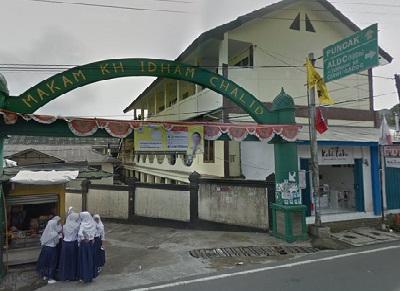 Wisata Religi dan Berdoa di Makam KH Idham Chalid Bogor