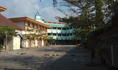 Lintas Ziarah dan Bertawassul di Makam KH. M. Ma'shum Ali Jombang
