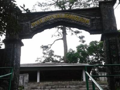 Wisata Religi dan Berdoa di Makam Keramat Mbah Wali Tanduran Pekalongan