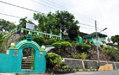 Wisata Ziarah dan Berdoa di Makam Ki Ageng Pandanaran Semarang