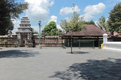 Wisata Spiritual dan Berdoa di Makam Ki Ageng Pemanahan